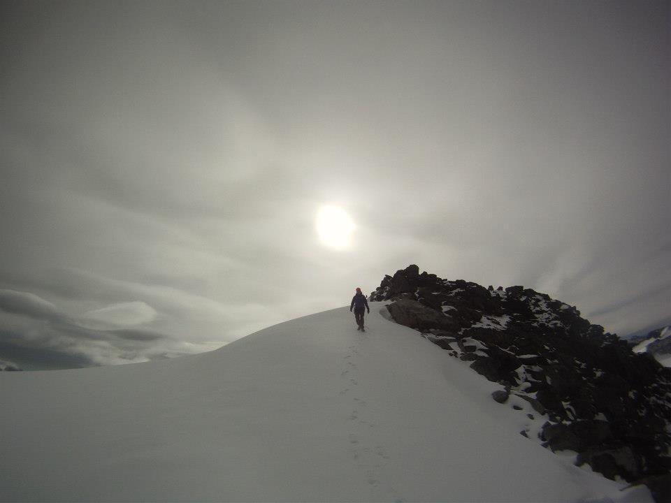 Tobias på snön
