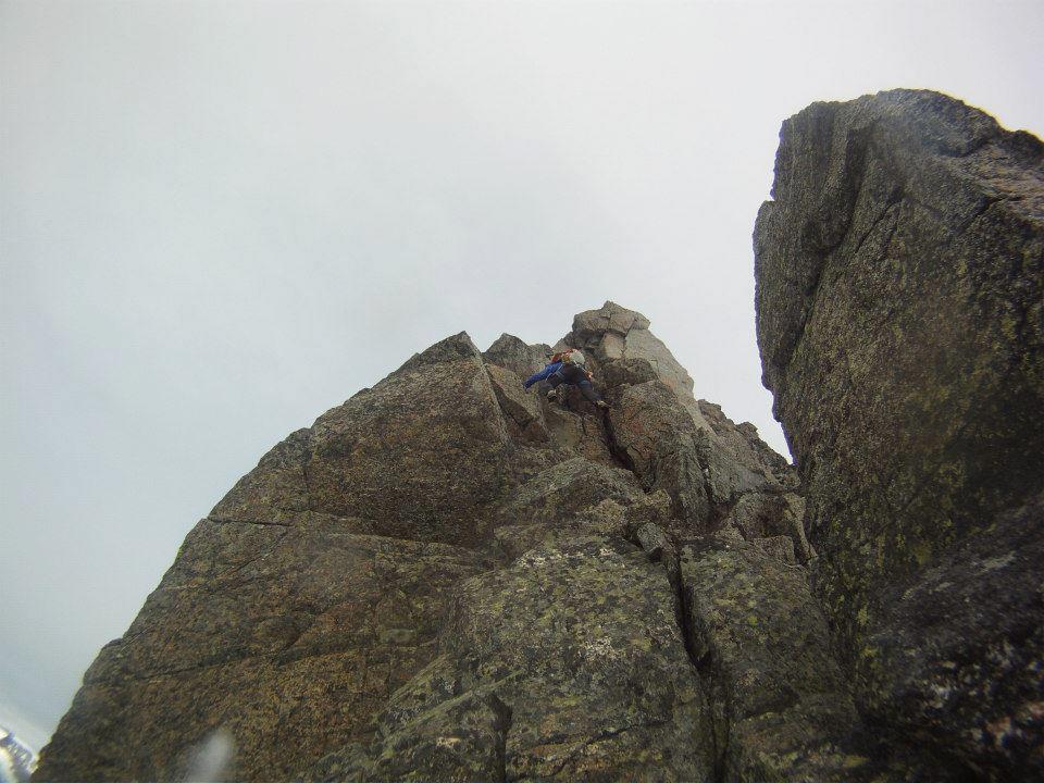 Tobias klättrar